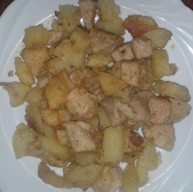 Brassói aprópecsenye fehér tányéron