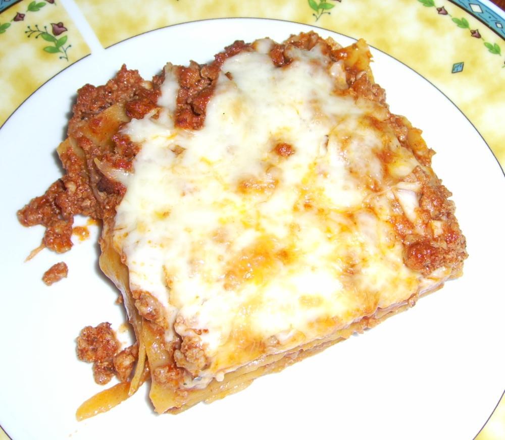 Egy kocka lasagne közelről