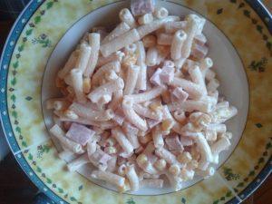 Egy tányér tésztasaláta