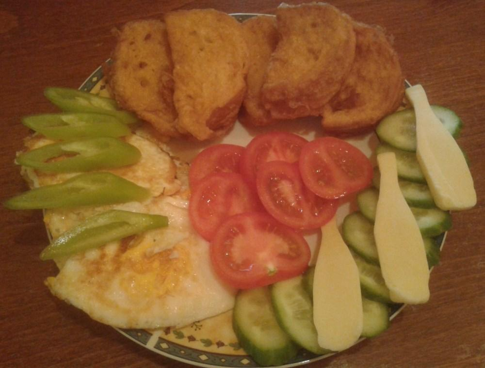 Tojásszendvics zöldségekkel