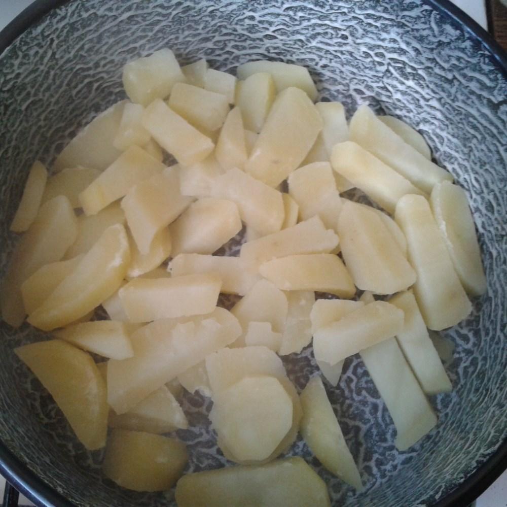 Frissen főtt burgonya