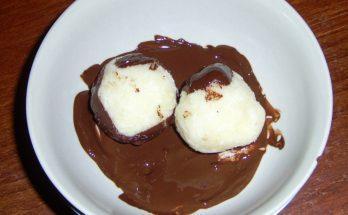 Kókuszos grízgombóc csokiöntettel