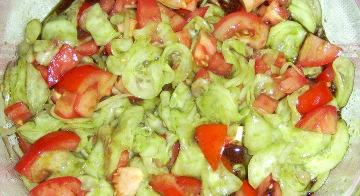 Vegyes saláta tömagolajjal