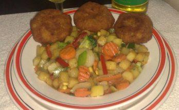Hamis vagdalt párolt zöldséggel
