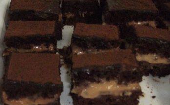 Holland kakaós-karamellás szelet
