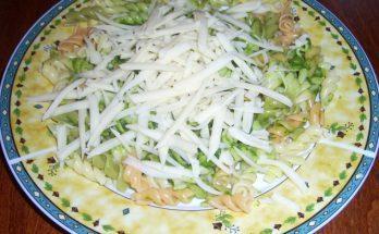 Egy tál tejszínes-spenótos tészta