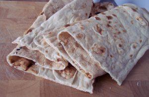 Frissen sült Nan-i-Afghani (afgán kenyér)