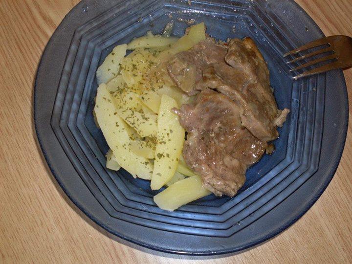 Fojtott hús burgonyával