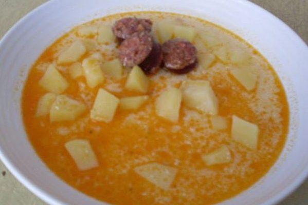 Egy tál habart burgonya leves