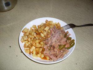 Egy tányér hentes tokány