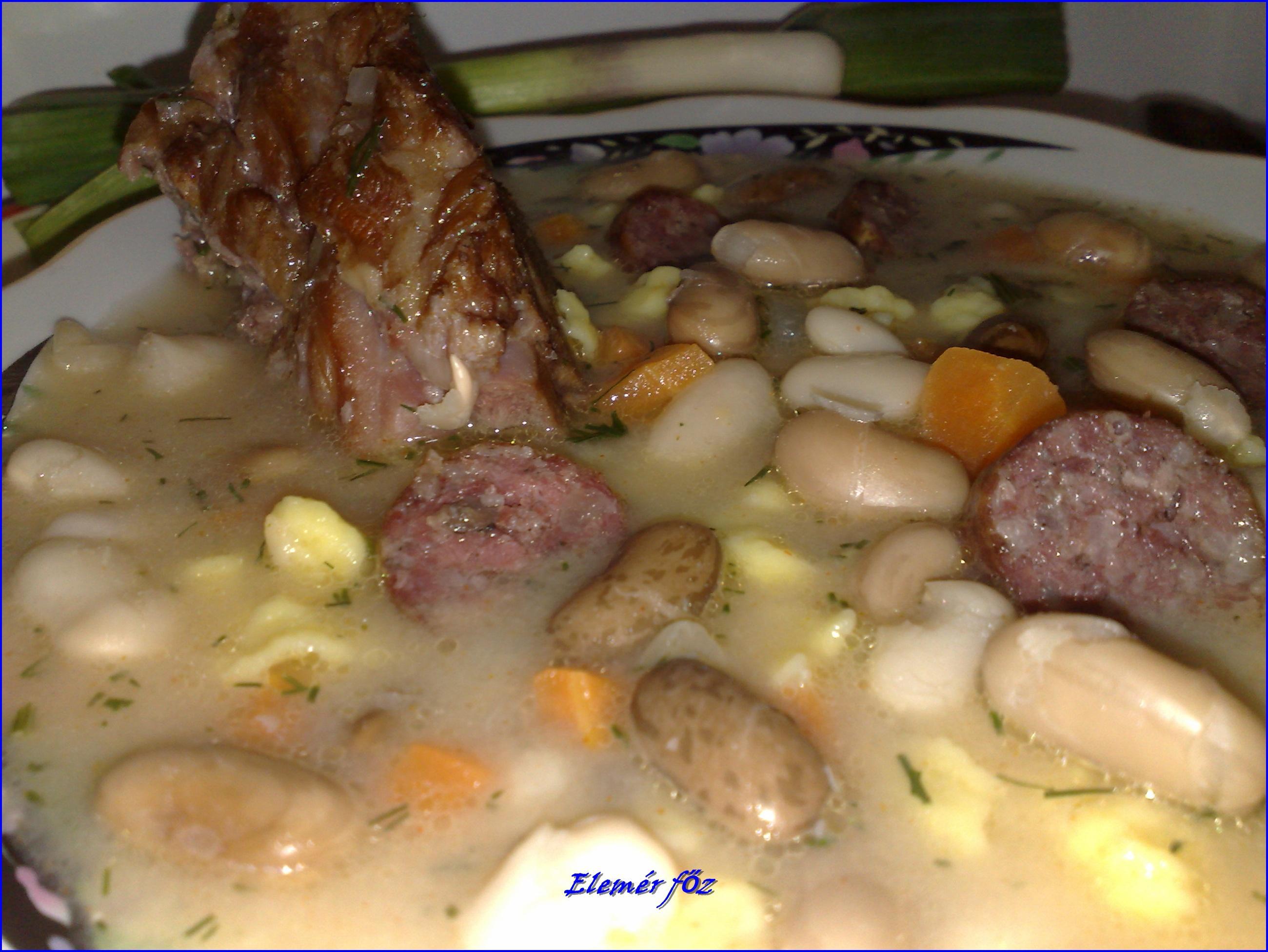 Kapros fuszulyka leves közelről