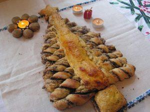 Karácsonyi bejgli kalács frissen sütve